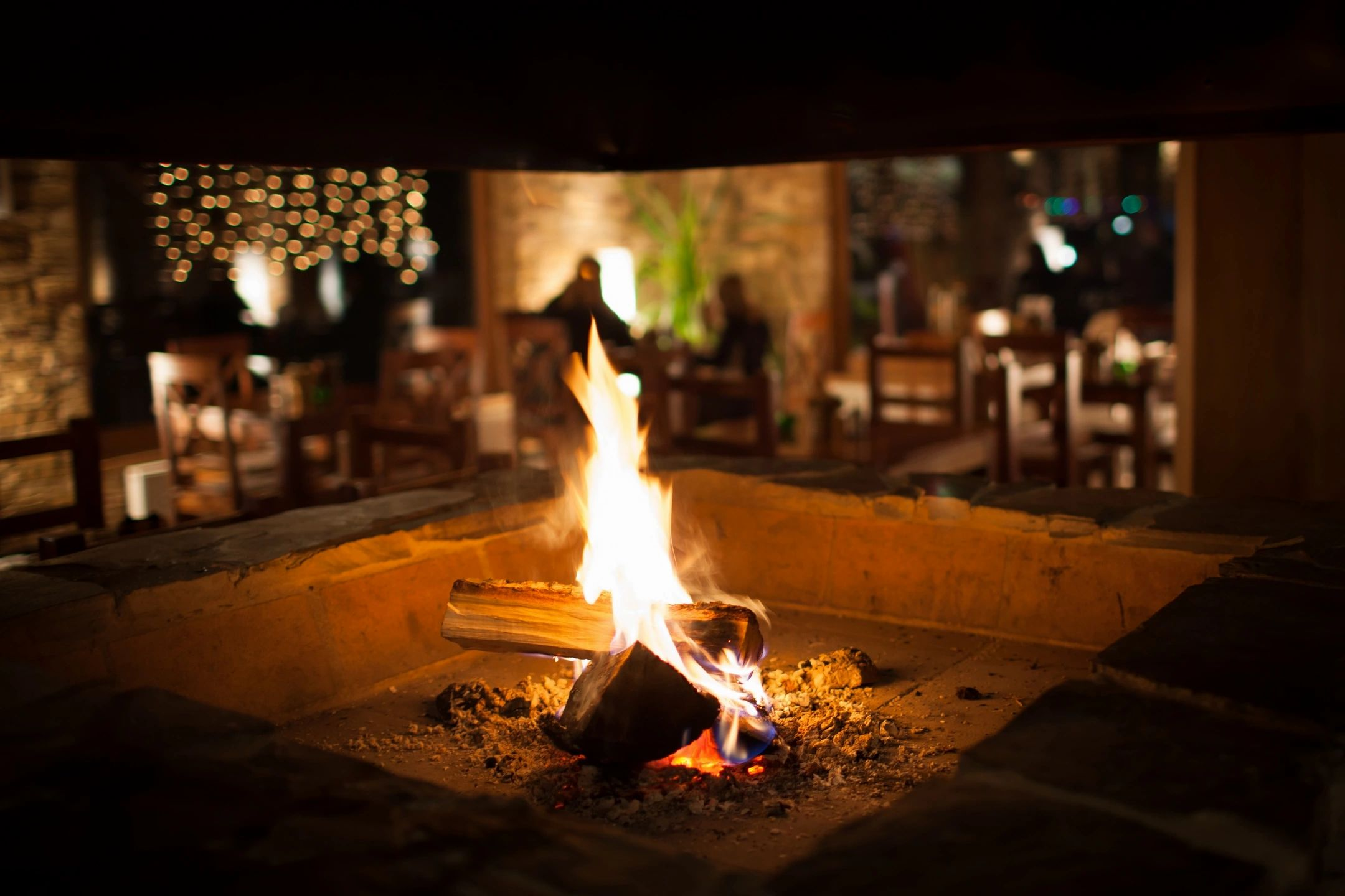 Outdoor Dining with Heaters for Date Nights during Covid