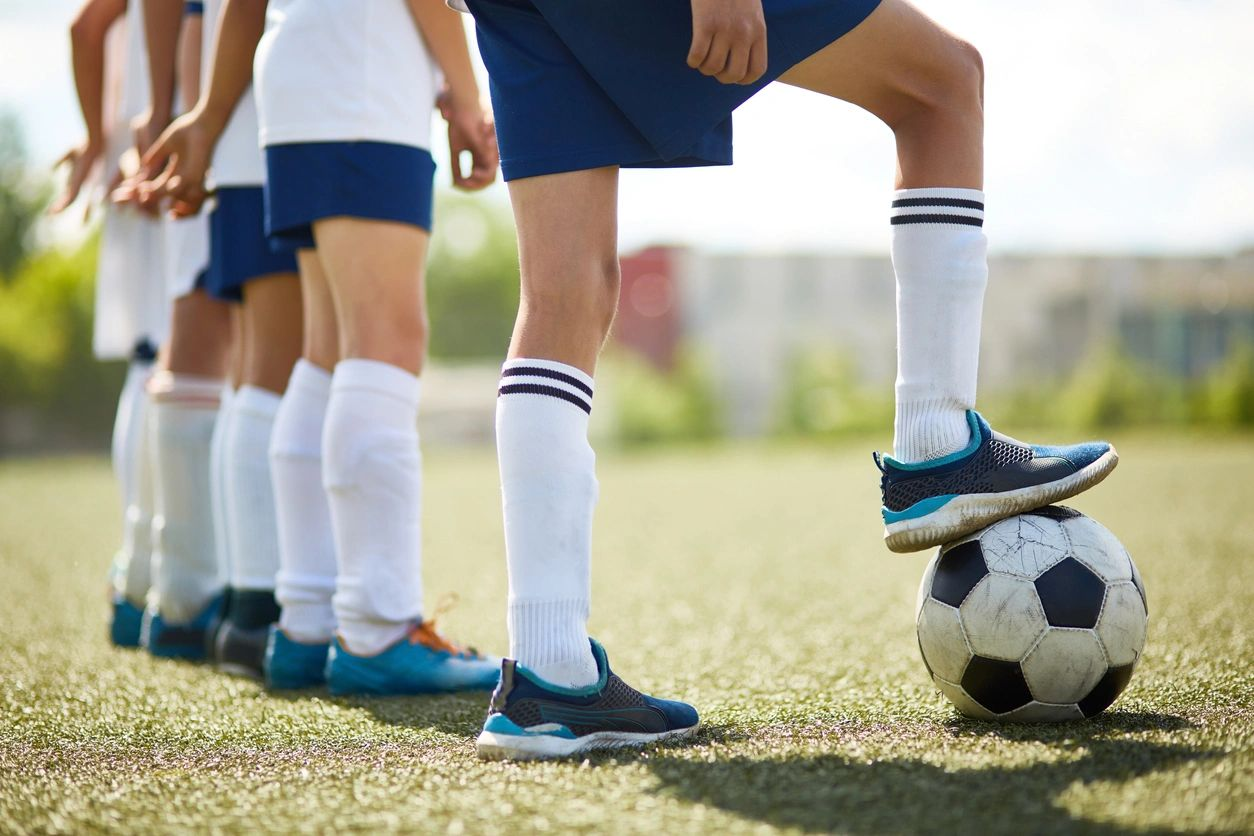 helping your kids adjust to new teams and groups
